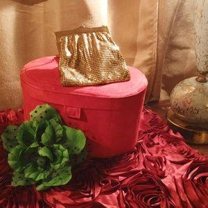 amazing vintage whiting & davis gold mesh wristlet